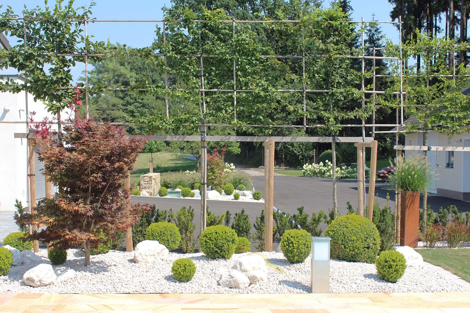 Hausgarten Steinbeet