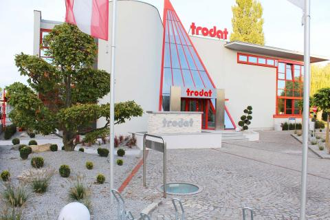 Gartendesign Firmenareal Eingang